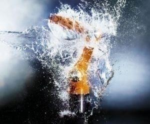 Robot KR AGILUS Waterproof : un robot qui résiste à l'eau